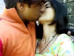 Desi Saharanpur Bhai bahen fuck MMS scandal outdoor leak